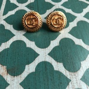 Chanel 100% authentic clip on earrings